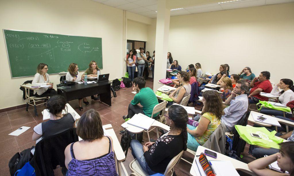 Buscarán que se gradúen más estudiantes en las áreas donde faltan profesionales