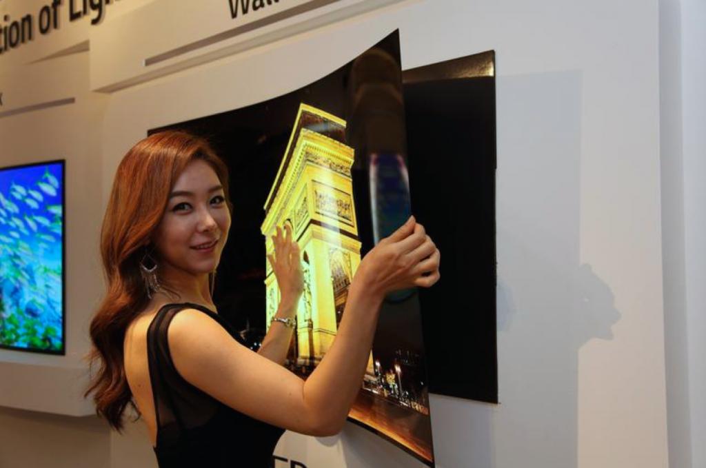 LG presentó televisores enrollables, con diseños minimalistas y potenciados por inteligencia artificial