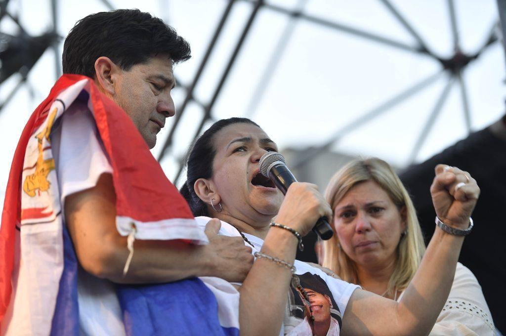 """""""Quiero justicia por mi hijo, lo mataron a traición"""", dijo la madre de Fernándo Báez Sosa ante una multitud en el Congreso"""