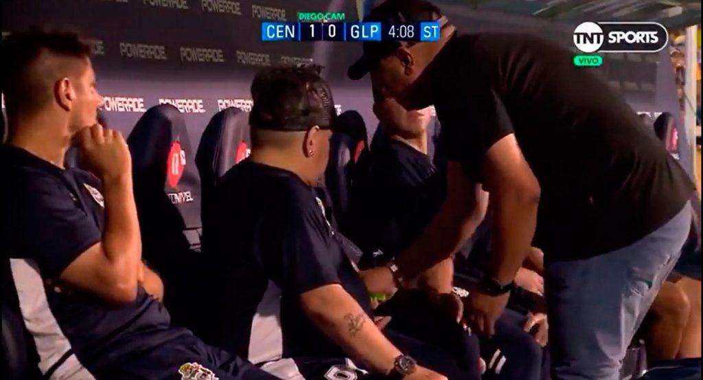 Revelan qué le dieron de tomar a Diego Maradona en el partido ante Rosario Central
