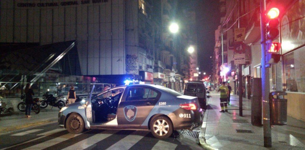 La avenida Corrientes se paralizó por un hombre armado que finalmente se quitó la vida