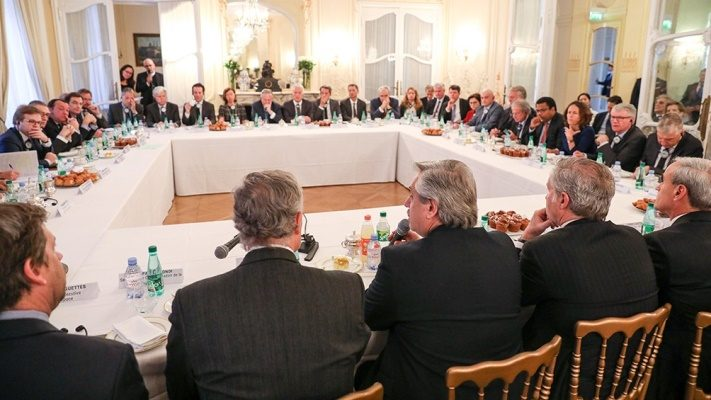 "Alberto Fernández, a unos 40 empresarios franceses: ""Con Macri vivimos un 2001 por goteo"""