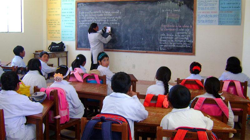 La Anses eliminó el requisito de presentación del certificado de alumno regular para el cobro de la asignaciones por ayuda escolar durante 2020.