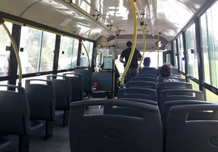 Quiénes están habilitados a andar en transporte público y qué documentos deben presentar