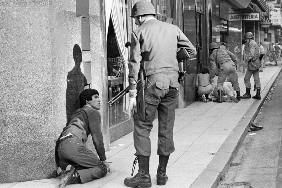 24 de marzo: la historia de una foto emblemática de la represión