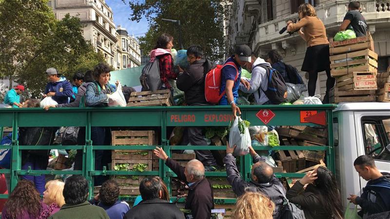 """Productores agropecuarios realizarán un """"verdurazo"""" frente a la Sociedad Rural Argentina"""